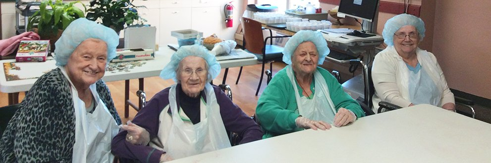 Residents staying active in the Gundersen Harmony Care Center.
