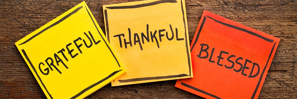 post it notes with Grateful, Thankful and Blessed