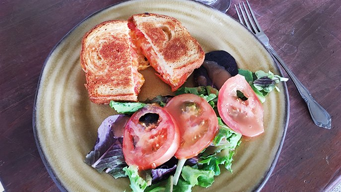 grilled cheese and tomato sandwich recipe